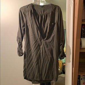 Express linen dress with roll-up sleeves